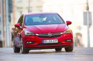 """Opel Astra: 500,000 заказов в """"2016 Car of the Year"""""""